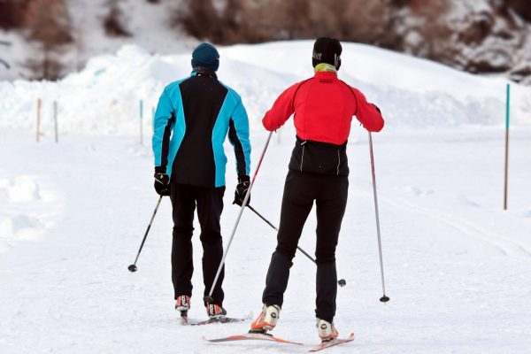cross-country-skiing-3020751_1920